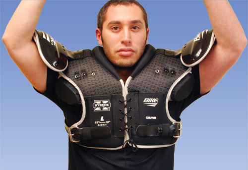 Fitting-Lacrosse-Shoulder-Pads-Sizing